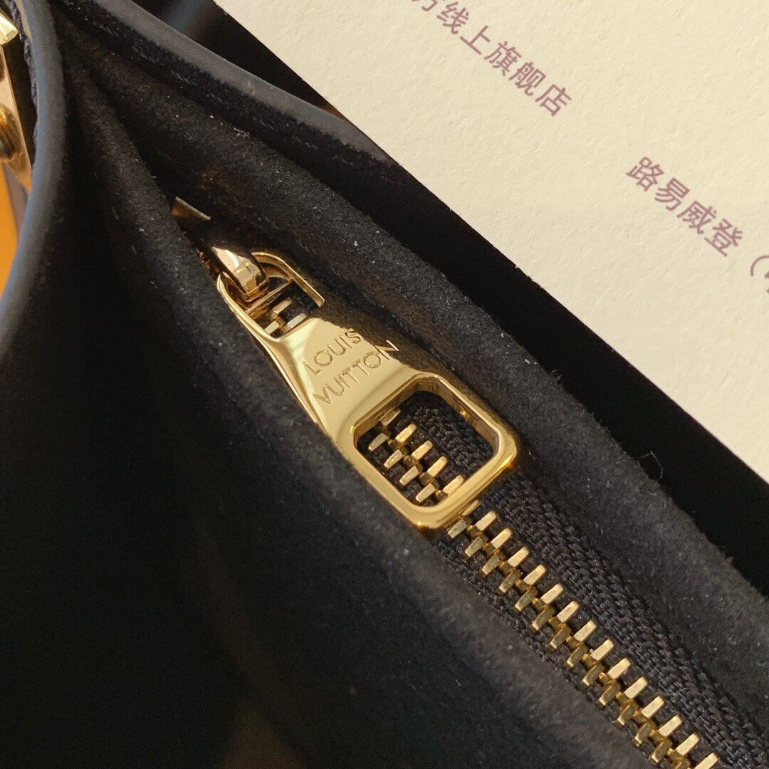 Louis Vuitton LV M57448 Dauphine 扑克牌达芙妮斜挎包