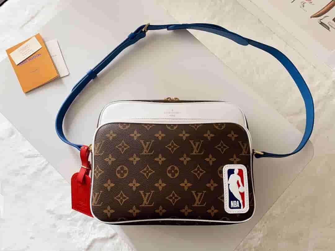 Louis Vuitton LV M45584 xNBA Nil 联名系列邮差包