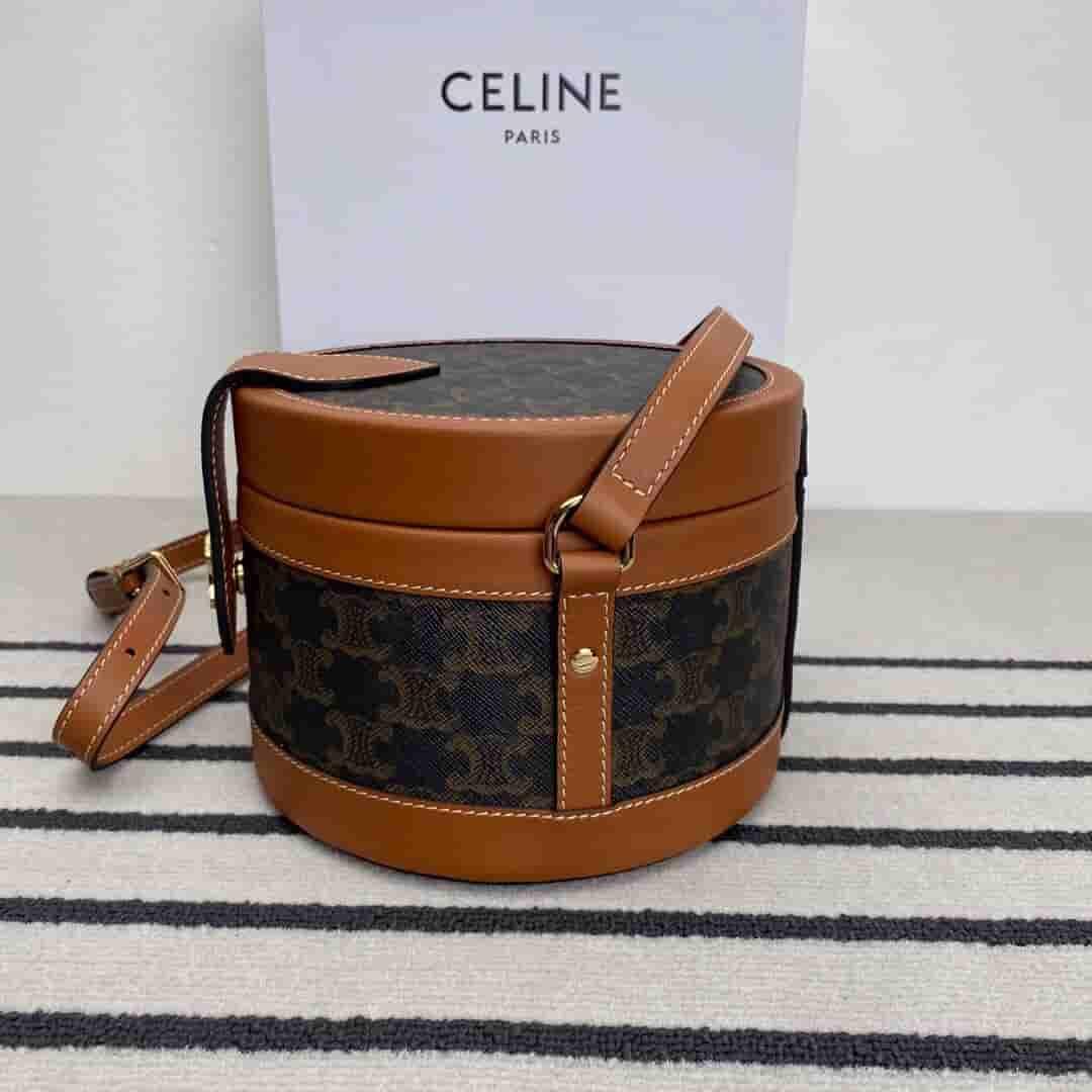 Celine Tambour Triomphe 斜挎盒子包 195192BZJ.04LU