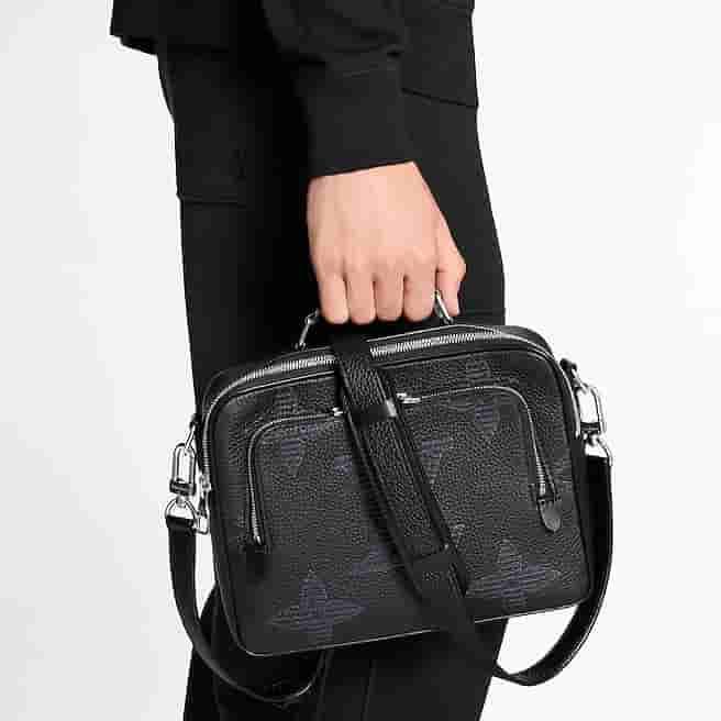 Louis Vuitton LV M57287 Flight Case 手提邮差包